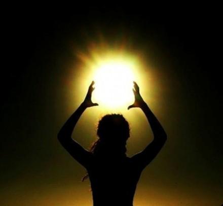 sun-woman-440x406